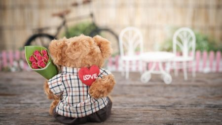 10 Fun Facts About Valentine's Day